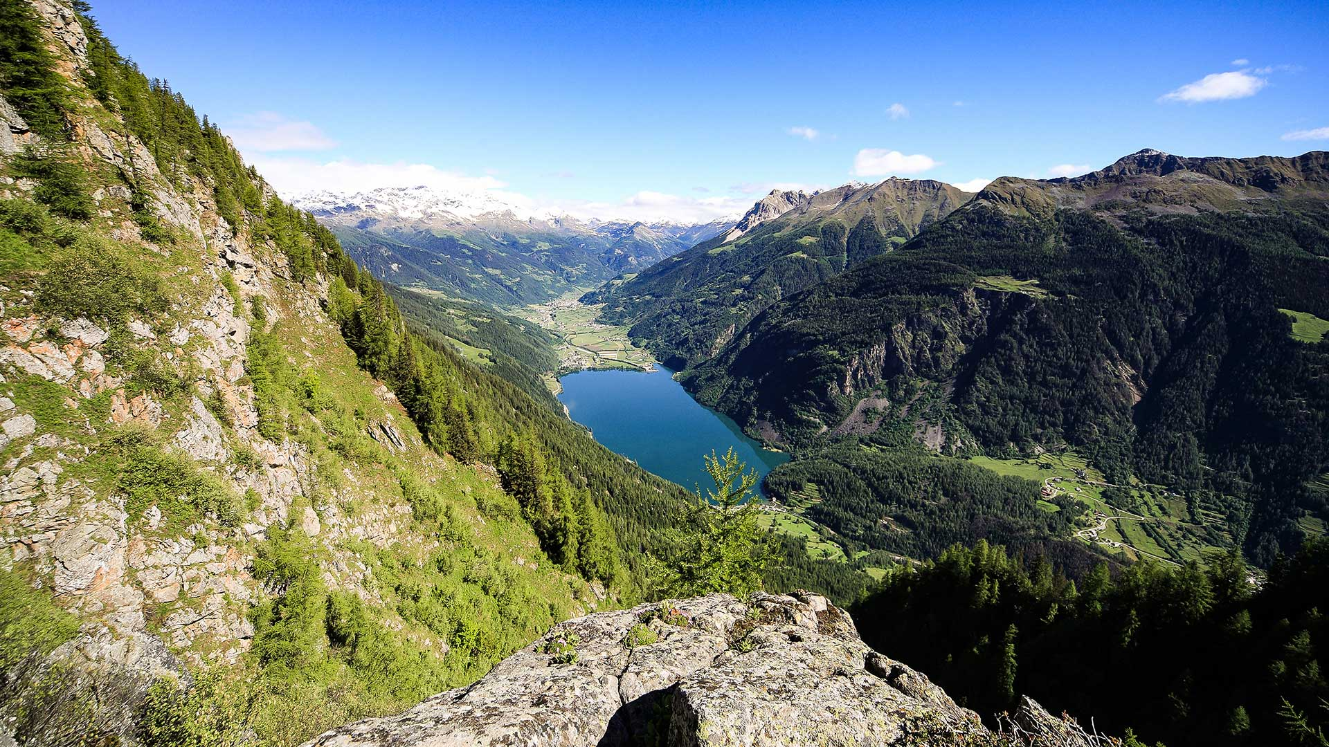 Waldbestattung; Poschiavo liegt im südlichsten Tal des Kantons Graubünden