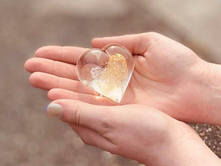 Herz Gold Handschmeichler Erinnerungskristall von Immer und Ewig AG